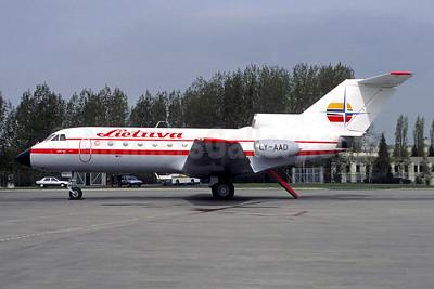 Lietuva Aviakompanija Yakovlev Yak-40 LY-AAD (msn 9412032) CDG (Christian Volpati). Image: 952112.