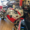 Yamaha FZR750R OW01 -  (3)