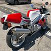 Yamaha FZR750R OW01 -  (10)