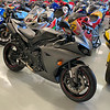 Yamaha R1 Hangar -  (5)