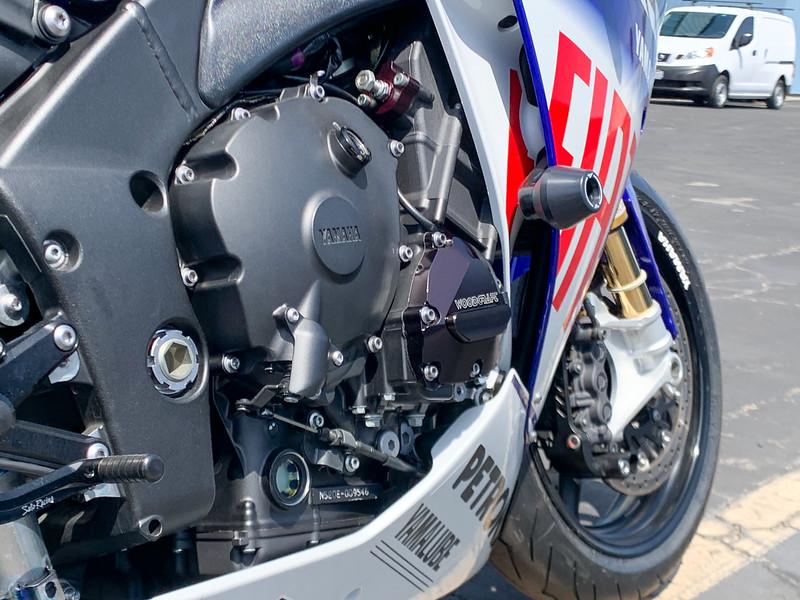 Yamaha R1 -  (23)