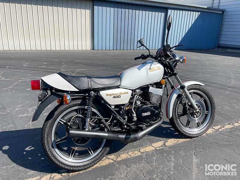 Yamaha RD400F Daytona Special -  (1)