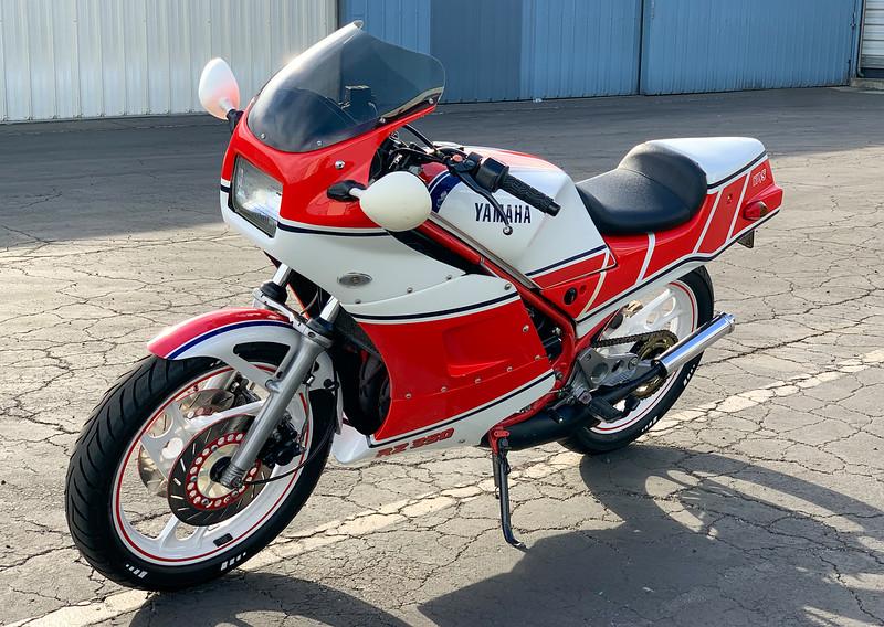 Yamaha RZ350 -  (17)