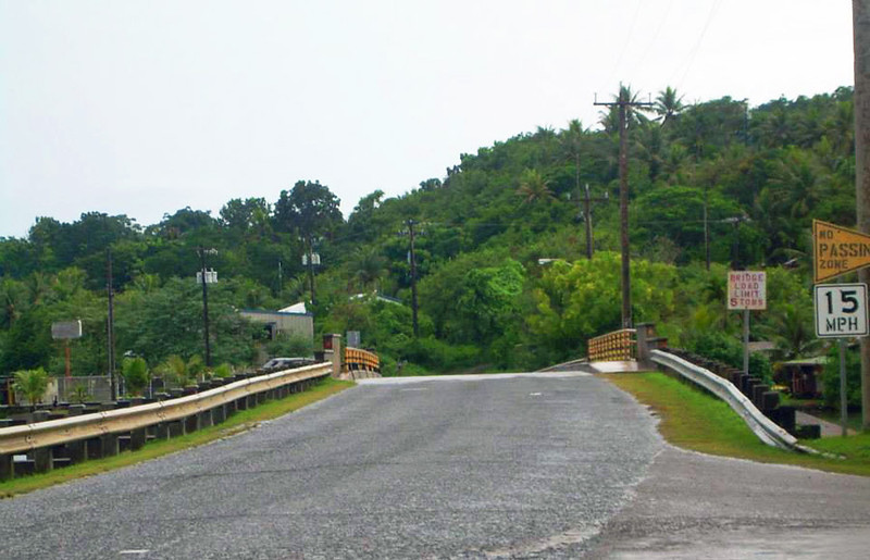 Approach to Ganir Bridge in Colonia, 2011