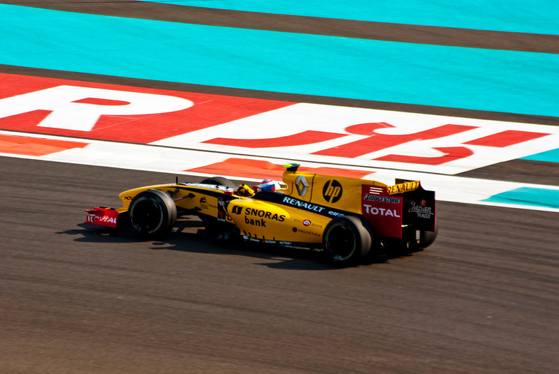 Car 12: Renault F1 Team, Vitaly Petrov, 6th fastest in practice.