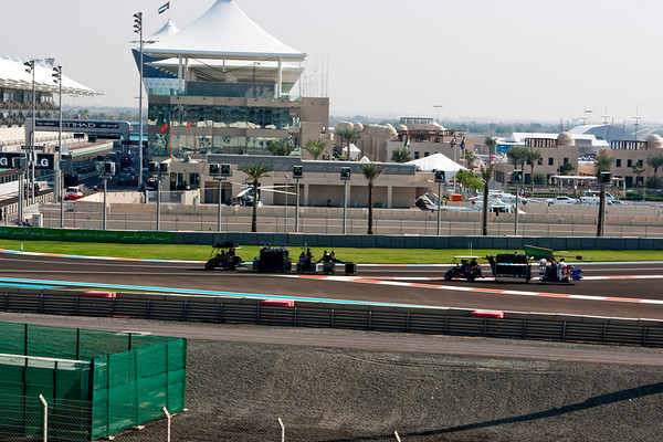 GP2 First Race (31 laps or 60 minutes) (91 Photographs)