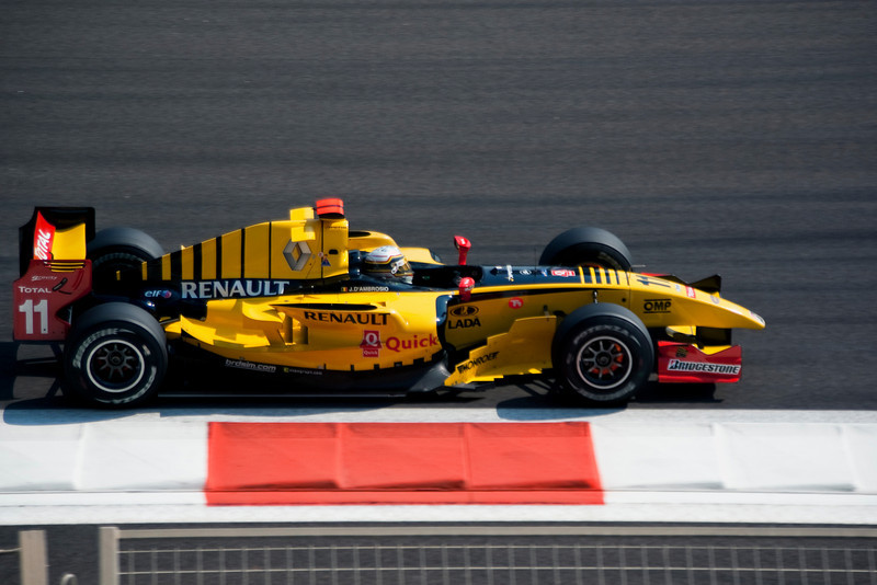 Car 11: DAMS, Jérôme d'Ambrosio finished 9th. Breaking!