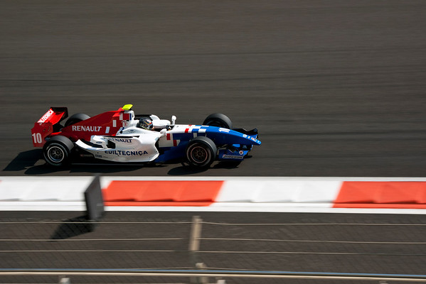 Best of the Best GP2 First Race (12 Photographs)