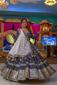 Yash & Dhruvi Garba 0038