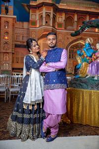 Yash & Dhruvi Garba 0004