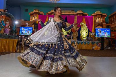 Yash & Dhruvi Garba 0036