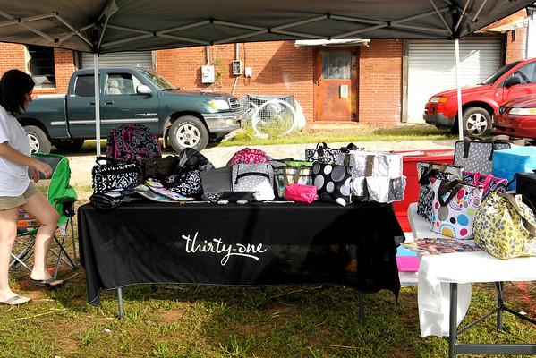 9 8 12 Yville Market Day 528