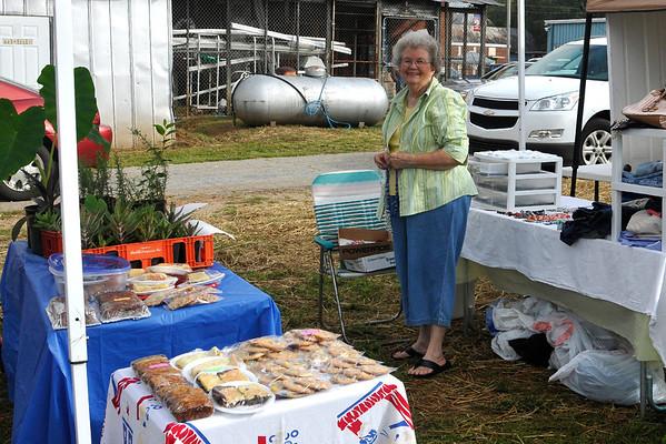 9 8 12 Yville Market Day 527