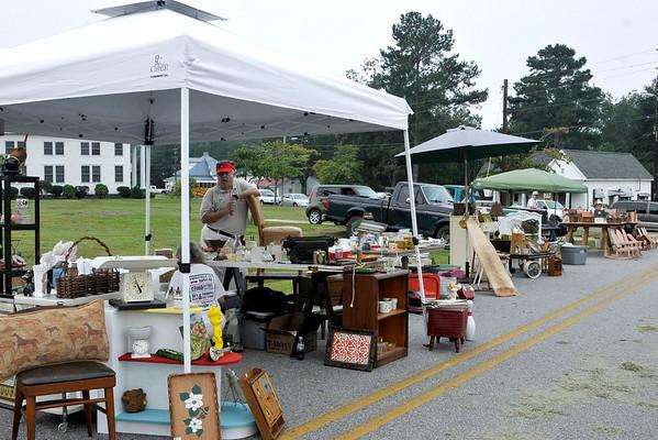 9 8 12 Yville Market Day 483