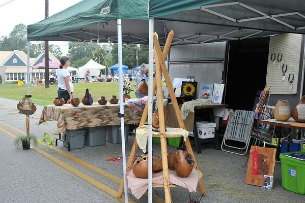 9 8 12 Yville Market Day 492