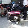 de nieuwe generator die nodig was om bij de regelmatige stroomuitval door te kunnen werken.