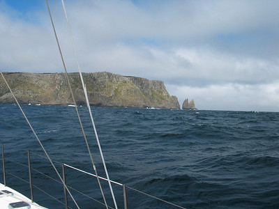 Tasman Island to starboard. ADAGIO has rounded Tasman Island five times before, always going outside as we're cautious about getting into squeezy places with the Southern Ocean running in.