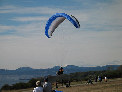 Paragliding on the Victoria south beach