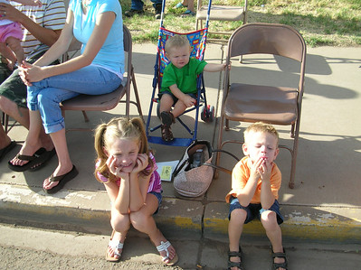 Hurricane Peach Days Parade--Waiting for the Candy