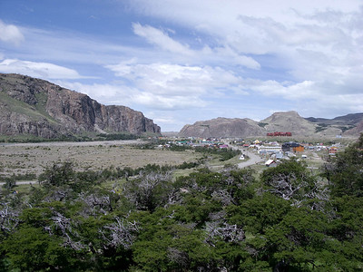 View of the town of el Chalten from the hiking trail