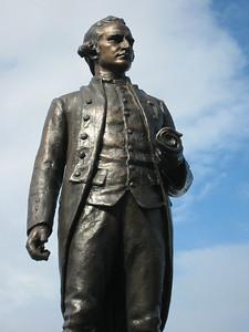 Captain James Cook, statue in Victoria Harbour