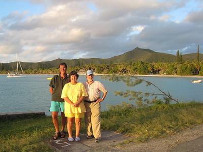 ADAGIO, Beth, Bone and Steve at Kuto Bay