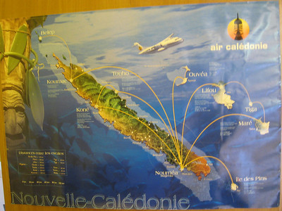 Map of New Caledonia, showing airline flights to the surrounding islands