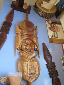 Kunie wood carving at Vao