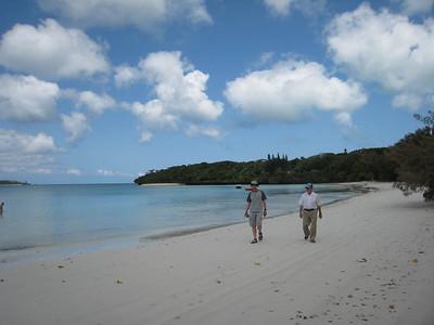 A grand beach walk while we wait for the Kunie dance performances to begin.