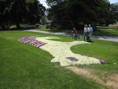 Andrew, Arlene and Steve with the tassie tiger made of sweet alyssum flowers