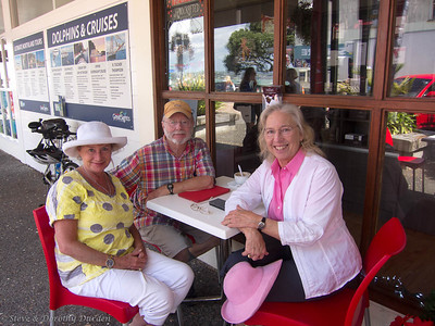 Robyn Watson, Steve and Dorothy and Newport Chocolates, Russell