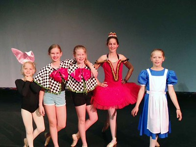 Alice in Wonderland dancers