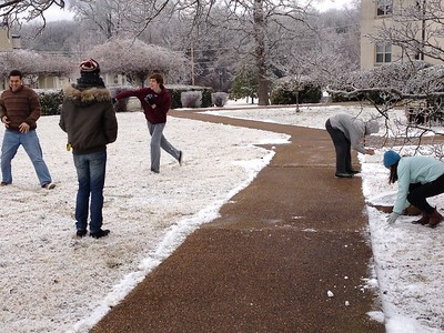 SAS Snowball fight