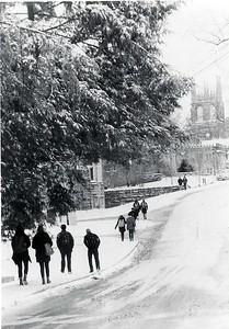 2-27 SNOW & STUDENTS
