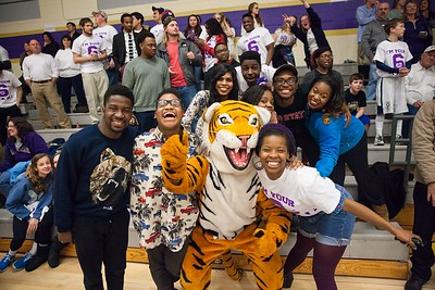 Butler BBall Whiteout w Tiger