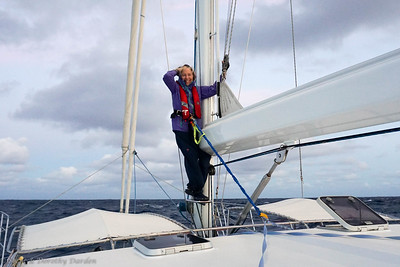 Dorothy in position for hoisting the mainsail