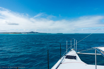 Approaching Kuto Bay and Pic Nga
