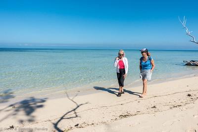 Beach walk around Ilot Maitre