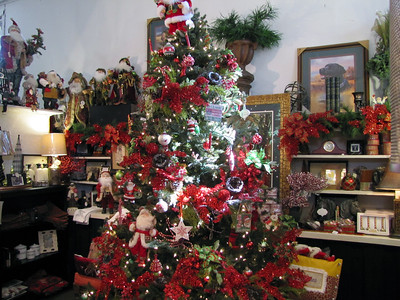 Taylor's Mercantile celebrated its 33rd annual Holiday Open House last weekend