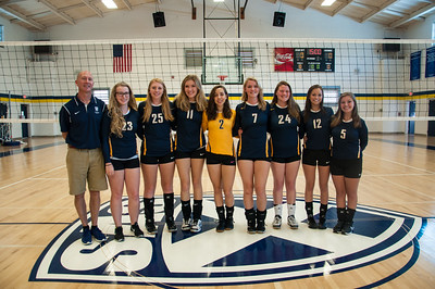 The SAS varsity volleyball team (from left) consists of coach Rob Zeitler, Katie Finn Hurst, Izzie Spinelli, Carolyn Bruce, Madison Gilliam, Lydia Angus, Morgan Phares, Skylar Moss and Kendale James