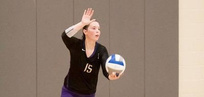 Sewanee freshman Constance Connolly serves on Oct. 16