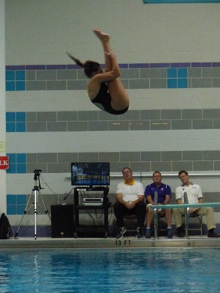 Sewanee freshman Noel Whitlock took second in the one-meter dive against Centre College. Photo by Lyn Hutchinson