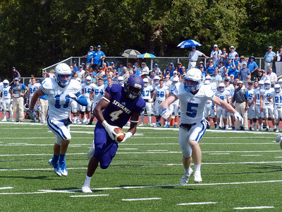 Sewanee senior tight end Divine Maloney scores on an 18-yard touchdown catch against Washington & Lee University on Sept. 10 Photo by Lyn Hutchinson