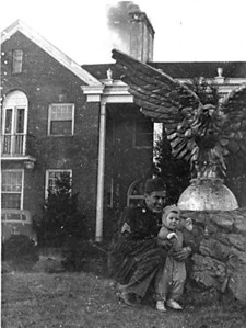 The eagle presides over Oliver Mabee's first meeting with his son Dale, January 1946. (Courtesy Jackie Partin and the Mabee family)