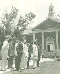 Former Governor Frank Clement views the eagle in 1954 following its installation at the TTU Library