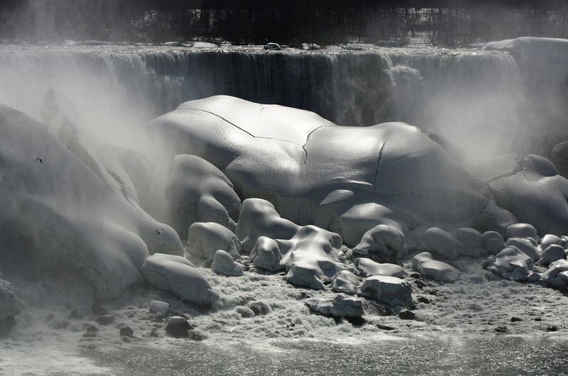 BW-Winter in Niagara-Cathy Baerg