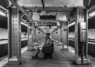 BW-Waiting for 3 Train-Tom Kroeker