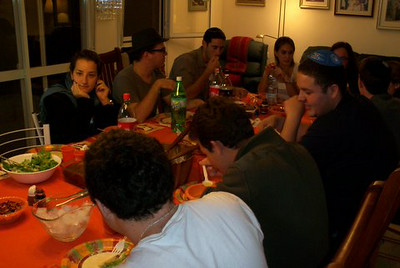 First Annual Hillel Alumni Thanksgiving Dinner in Israel
