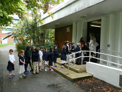Grade 1 Visits the Buehler Planetarium