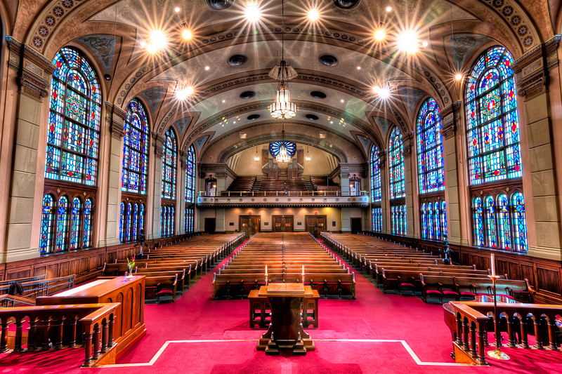 While the South Main Baptist Church sanctuary may not be the largest in Houston, it has to be one of the most elegant. Photo by Tim Stanley Photography.